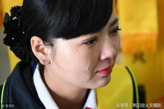 让人流泪的女生唯美伤感哭泣,图库-回车桌面