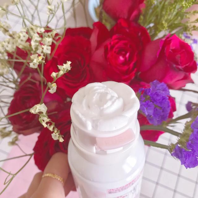 爱剪辑-嘉娜宝 泡沫 3d 玫瑰花洗面奶