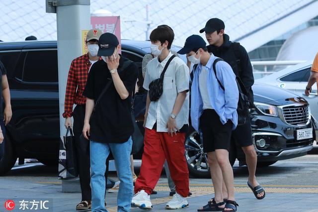 exo成员单人照一系列