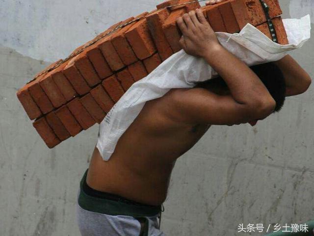 建筑工地上的工人图片_图片_红动手机版