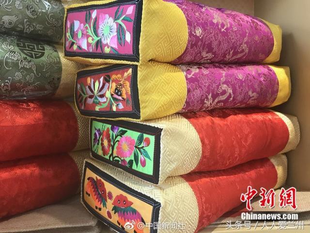 【刺绣枕头图片】_海量精选刺绣枕头图片大全 - 阿里巴巴