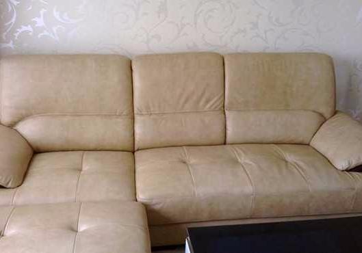 真皮沙发清洁保养小技巧,简单实用,马上学起来让沙发恢复光泽!