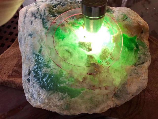 翡翠原石最顶级的4种皮壳,看懂了赌石一刀涨。_垚... _新浪博客