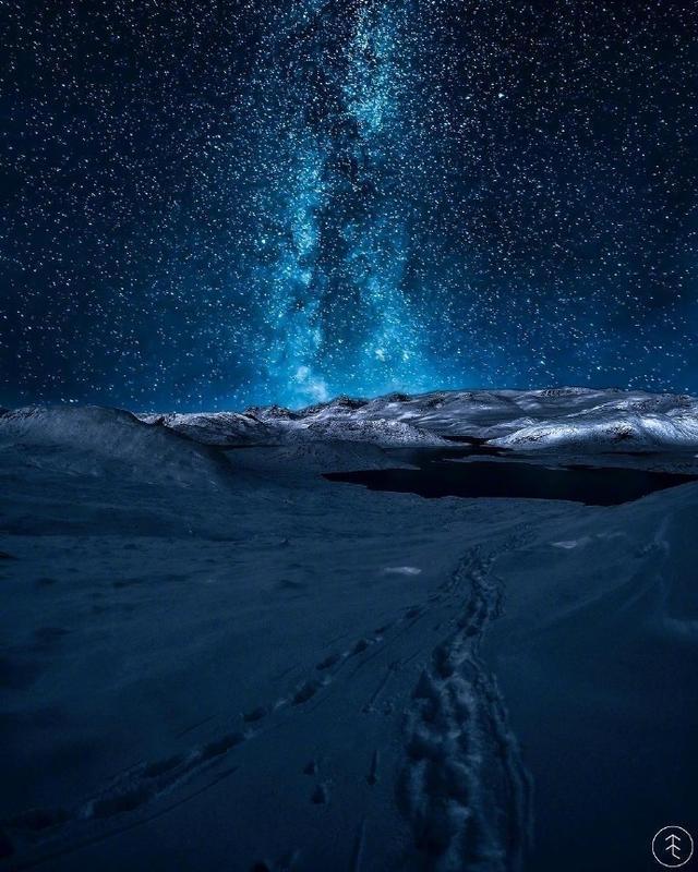 夜深人静的意思及成语故事_夜深人静是什么意思_造... _沪江小学