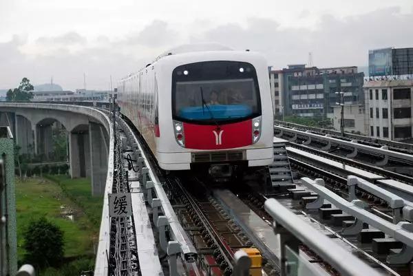 武汉t2有轨电车线路 有轨电车和地铁的区别_360问答