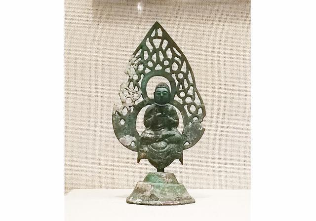唐、明、清代35尊精品铜佛造像,造型优美,是佛造像中的珍品!
