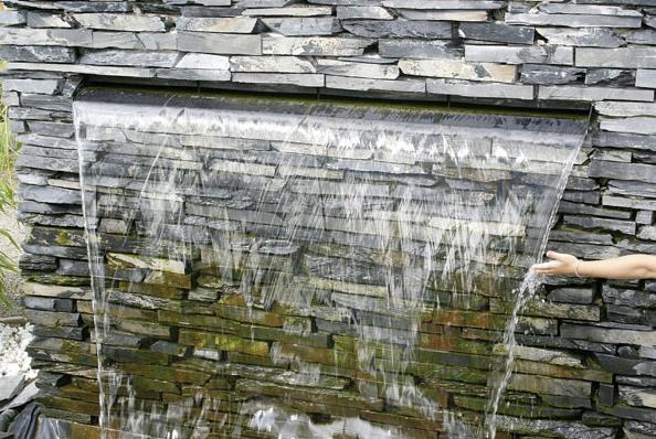 流水别墅手绘效果图