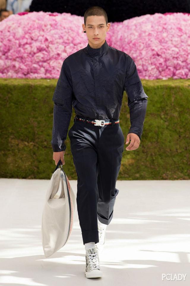 丑模当道?时尚圈的亚裔男模全是偶像派