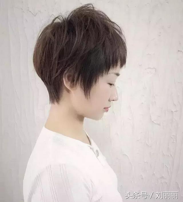 ...超短发发型图片 看女生短发如何打理好看_短发发型_【西子网】