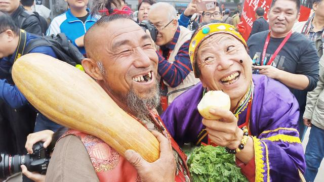 2018平遥国际摄影大展处处可见笑脸