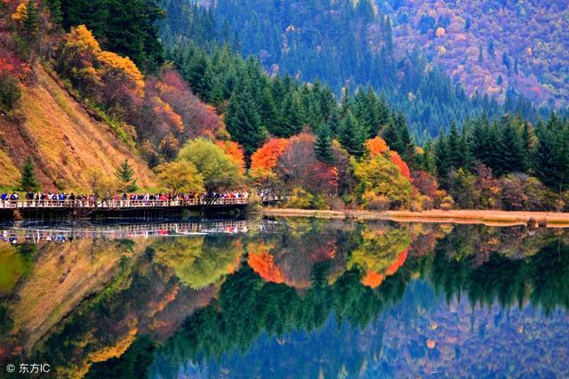 十张图看遍全球醉人秋景,色彩斑斓美如画卷