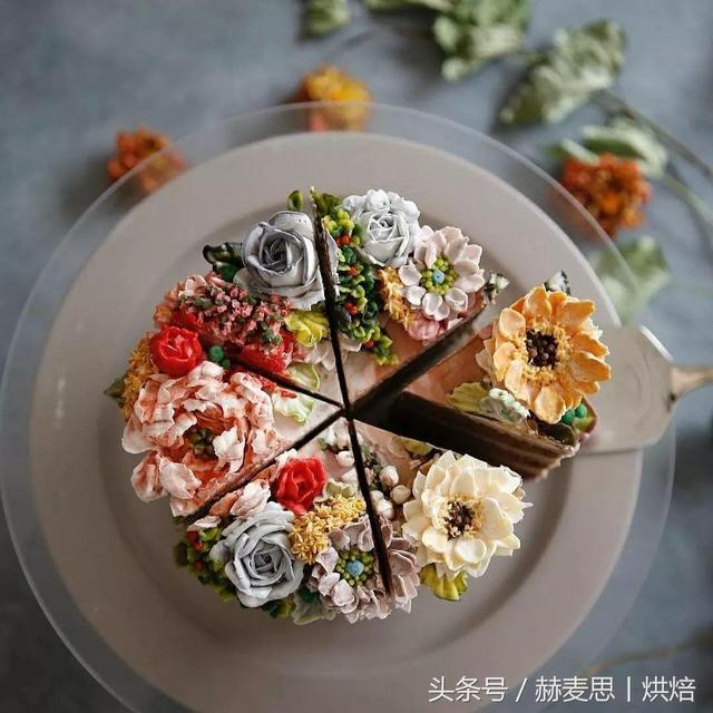 Is popularins的4Pink cream flowers naked cake layer,Look at the pictures alone to enjoy!