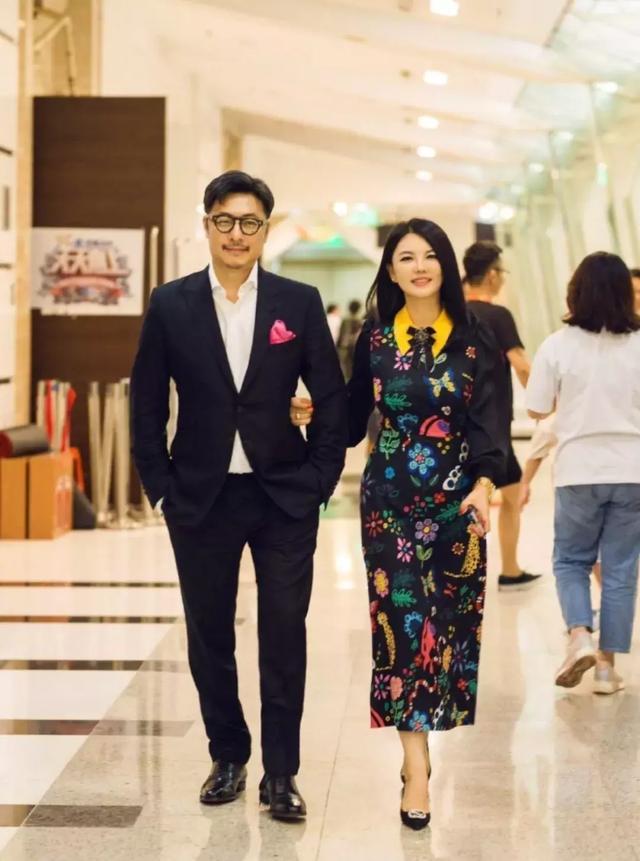 李湘带王岳伦录制《天天向上》,一个细节暴露她... _手机搜狐网