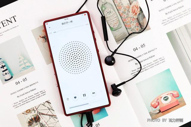 半入耳式耳机和入耳的区别_哪个好_智能家
