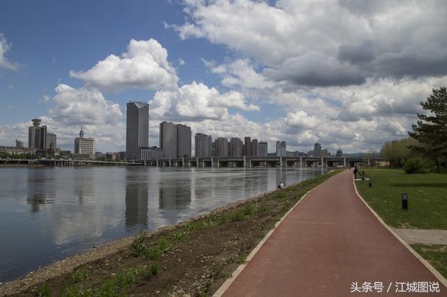 发几张北国江城吉林市松花江畔的图片,你能指出机位在哪吗?