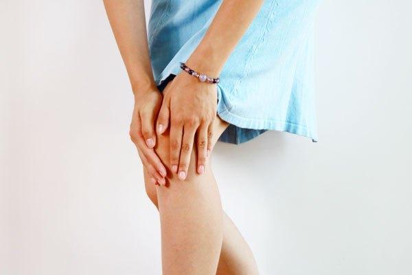 痛风导致膝盖肿图片