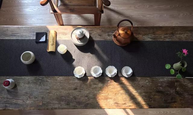 茶室茶桌茶具摆放图