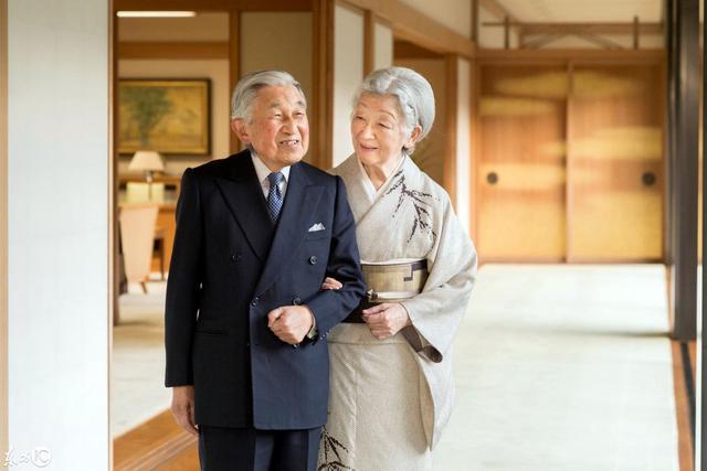 伉俪情深:明仁天皇与皇后那些不得不说的故事_国际图文_看看新闻