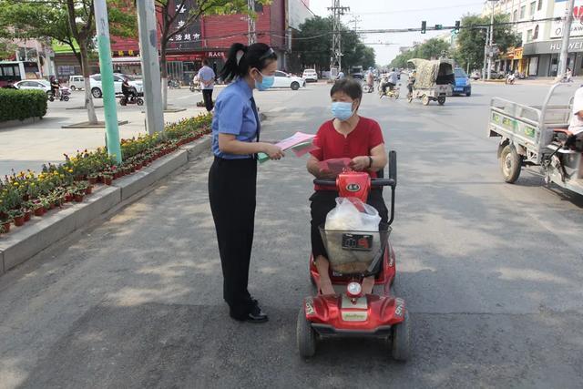 [行政检察宣传月]与民同行,检察官们走上街头…