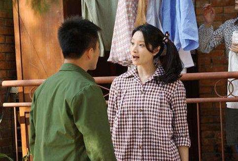 小姑子跟丈夫吵架哭著回娘家,婆婆一巴掌甩過去:自己沒錯嗎