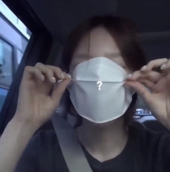 口罩太大,小头认证的,少女时代泰妍