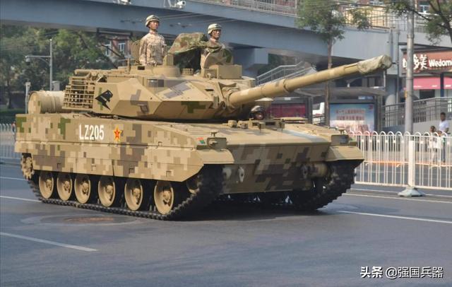 为超越15轻坦,印军拿出自己轻坦方案:韩国的身子装俄罗斯的头?