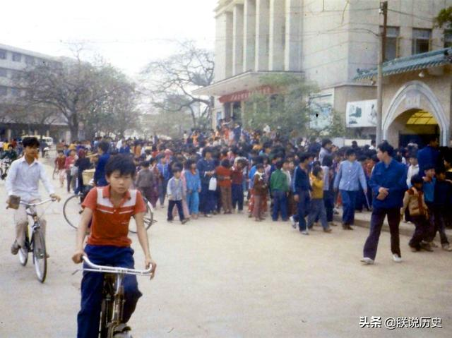 1982年的广东深圳,罕见生活老照片,带你穿越回到80年代的深圳