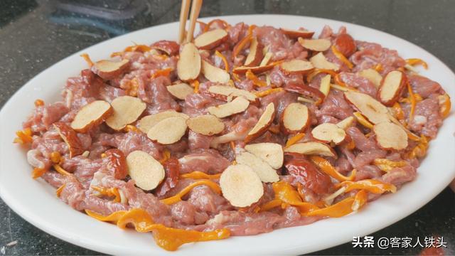 牛肉想要嫩滑好吃,别下锅炒,教你一个更简单的做法,营养又好吃