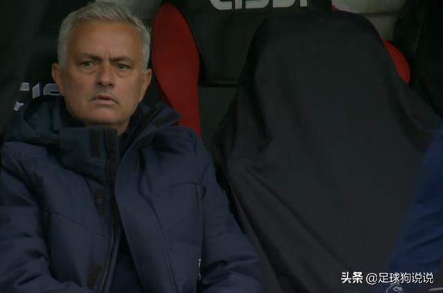 1-3!热刺两进球被吹掉,穆里尼奥一脸绝望,博格破门滑跪庆祝
