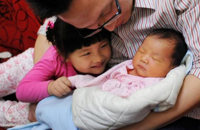 第一胎是女儿,要不要生2胎?90后夫妻给出的答案,既负责又现实
