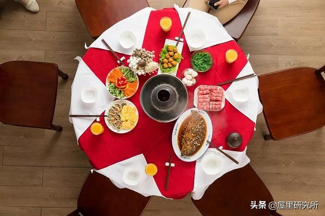 家用折叠餐桌图片大全
