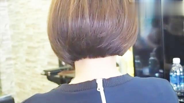 不对称女性短发发型图片