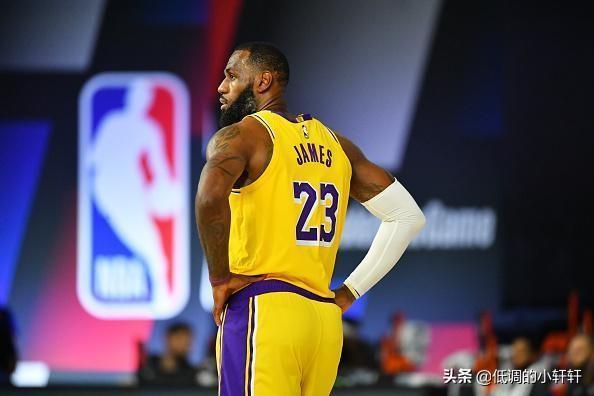 NBA历史的拐点:35岁的詹姆斯,为啥又被逼到不夺冠就失败?