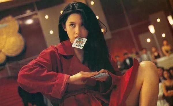 """90年代6大性感女神,张敏性感妩媚,她被称为""""亚洲性感女神"""""""