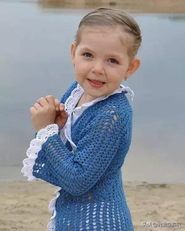 小女孩的菠萝长袖衣