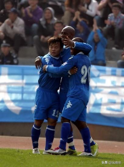大连足球史上今天:2011年中甲阿尔滨2比0日之泉,领队李明被罚下
