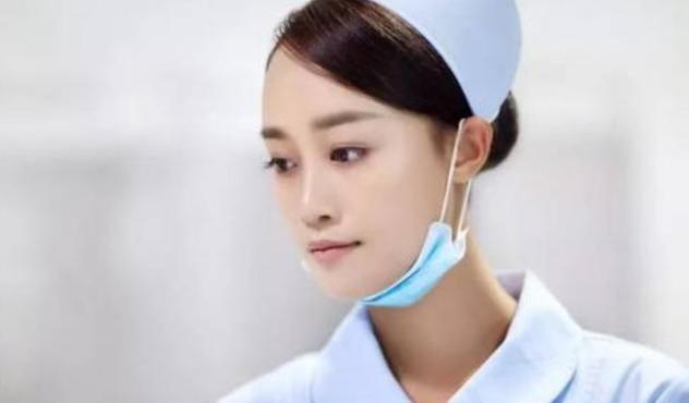 蓝盈莹在《乘风破浪》很风光,前男友曹骏给王媛可当背景存在感弱