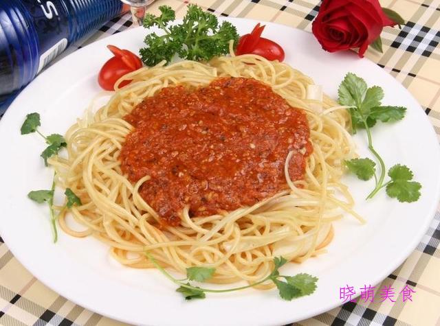 香辣凉拌面、肉酱面、油泼裤带面、台式卤肉面的做法,营养美味