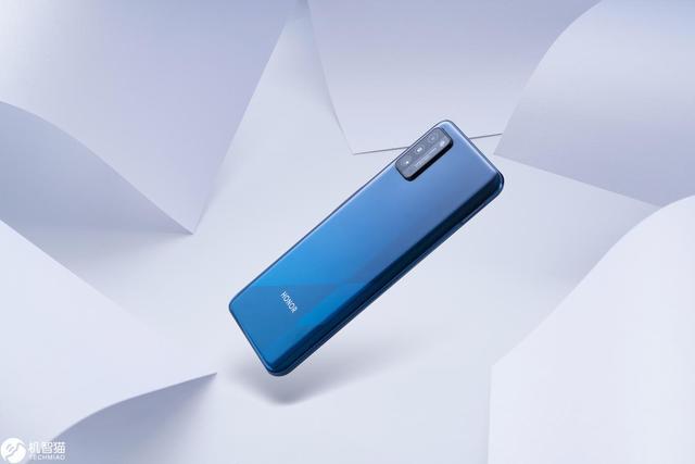 荣耀X10 Max抢先体验:是5G手机,更是追剧神器