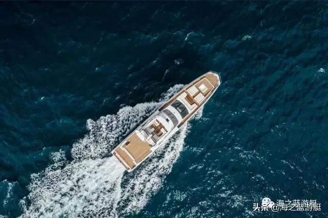 阿兹慕巨人35米,一艘意大利人引以为傲的豪华游艇