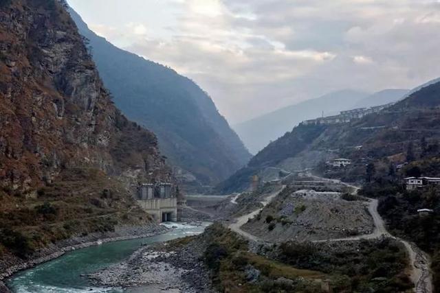 打印度一巴掌,还能获红枣!不丹切断水源竟搞定久拖不决的水电站