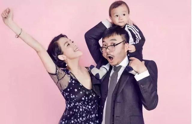 杨乐乐晒汪涵结婚12周年全家亲密照!深扒汪涵如何事业爱情双丰收