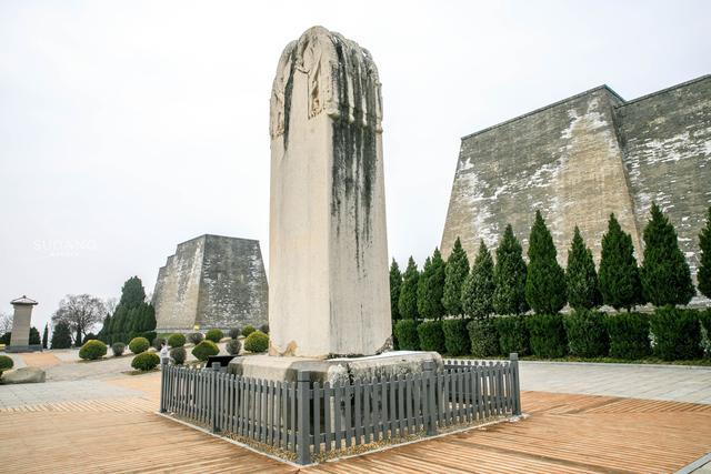 坟墓石碑图片
