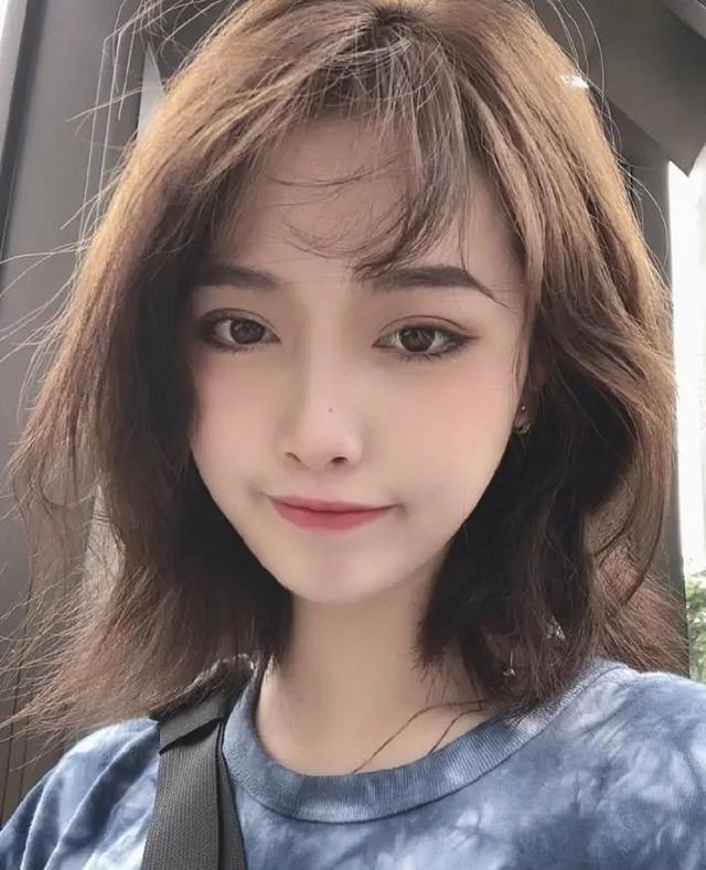 2020女短发头型图片