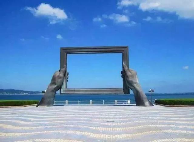 威海释家沙滩民宿1号楼房顶看海,威海的海哦!
