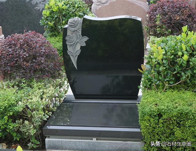 墓碑雕刻区域浮雕