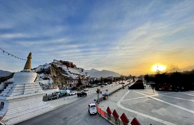 西藏最大寺庙