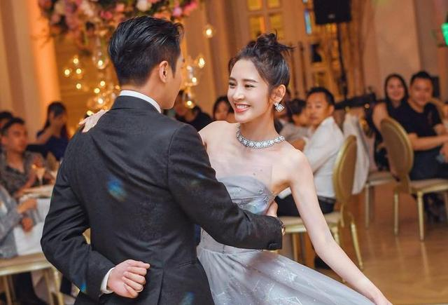 唐艺昕张若昀结婚图片
