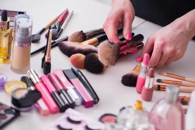 最适合新手的化妆术,学会了能模仿任何明星,想学化妆的一定要转