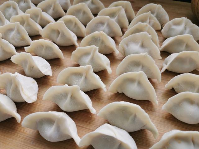 调饺子馅儿最忌讳的调料,很多人爱放,难怪饺子不鲜香,味道难闻